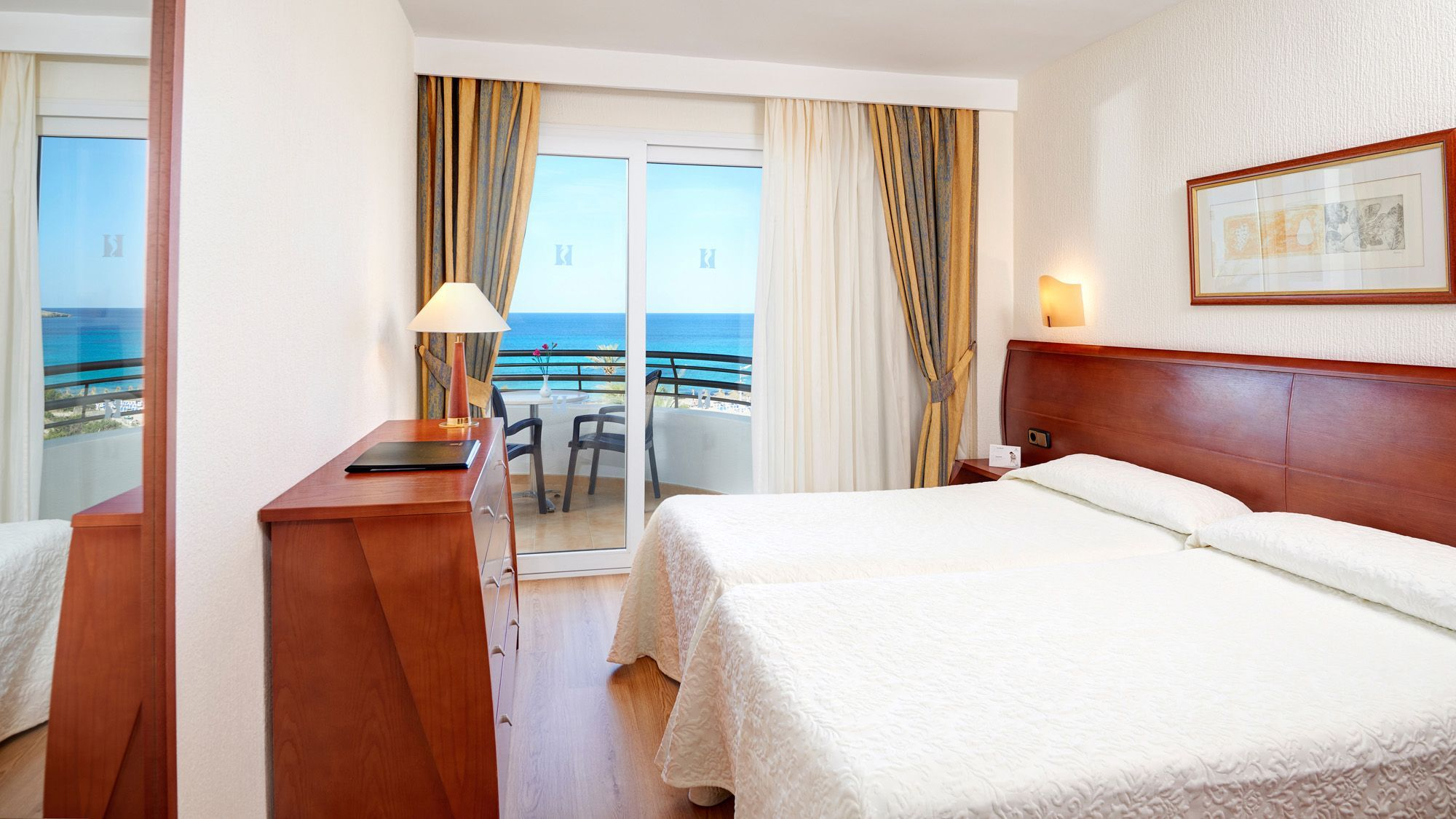 Hipotels dunas cala millor fotogalerie mallorca for Appart hotel 5 terres