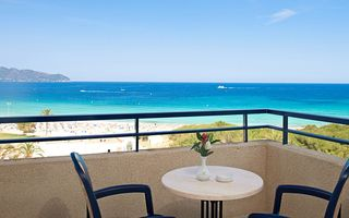 1 Bedroom Apartment with Sea View